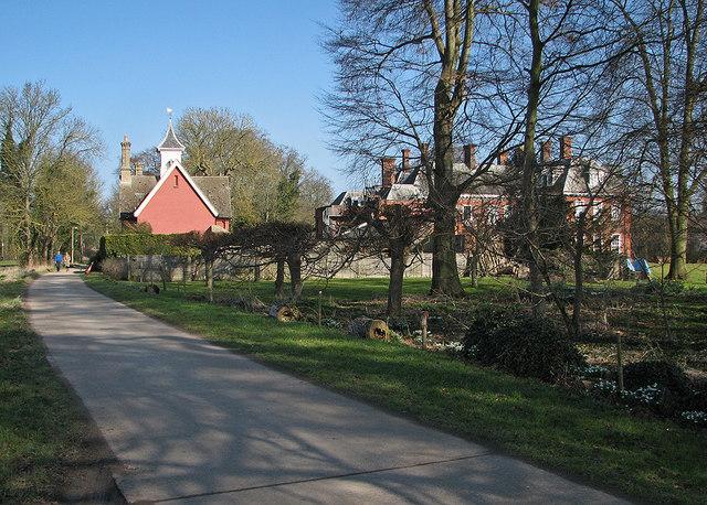 Newton: Town Street and Newton Hall