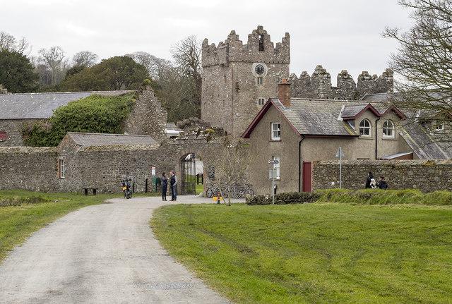 Estate buildings, Castle Ward