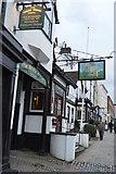 TQ1649 : White Horse Hotel by N Chadwick