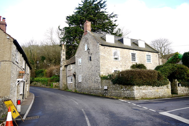 Houses in Axmouth