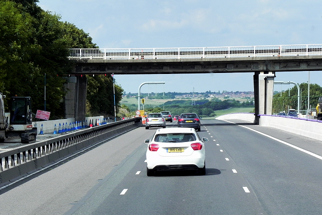 A638 Crossing the M1 at Junction 40