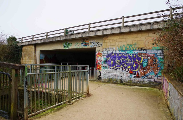 Approach to the entrance to the tunnel under A40 road, Witney, Oxon