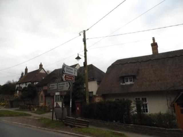 Cottages on Bicester Road, Long Crendon