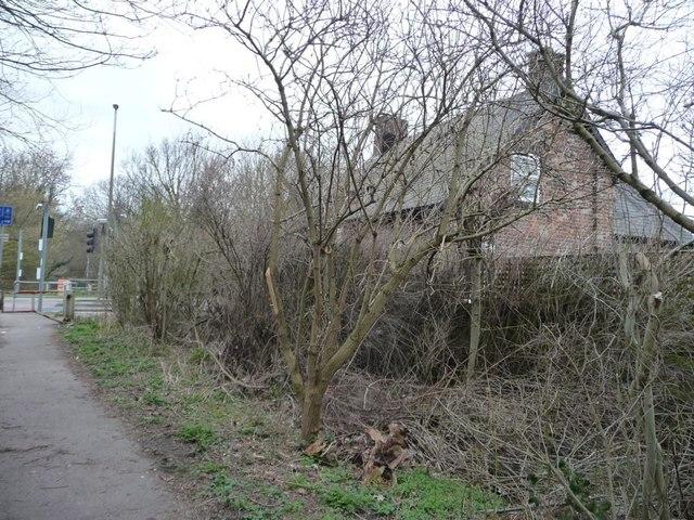 Former crossing keeper's cottage, Worsbrough Bridge