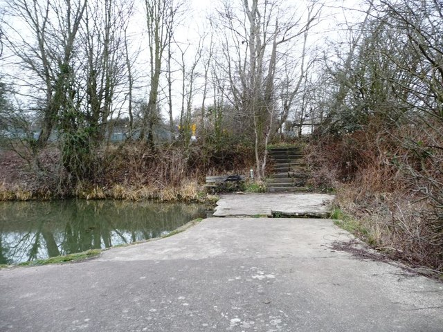 Footpath across the former Worsbrough branch canal
