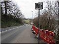 ST3389 : Speed camera sign, Caerleon Road, Newport by Jaggery
