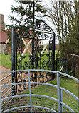 TL9919 : St Andrew, Abberton - Gate to churchyard by John Salmon