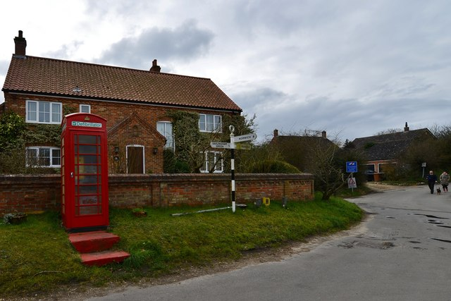 Saxlingham Nethergate: The disused telephone box