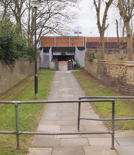Dunvegan Path & Eltham Station, SE London