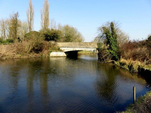 Tun Bridge over the Itchen Navigation