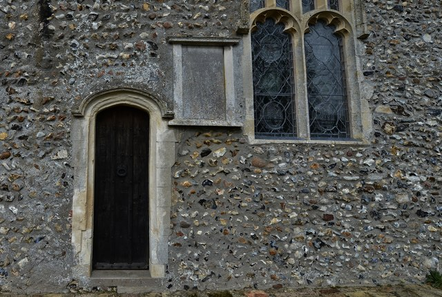 Saxlingham Nethergate: Church of St. Mary the Virgin: Chancel south priest's door