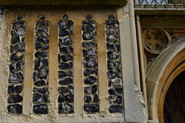 Saxlingham Nethergate: Church of St. Mary the Virgin: Tower flushwork