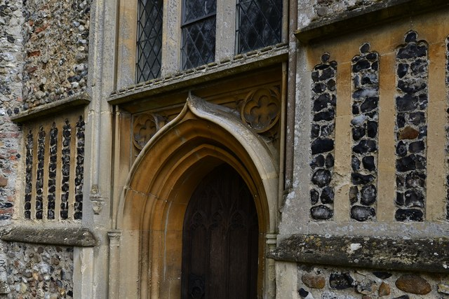 Saxlingham Nethergate: Church of St. Mary the Virgin: West entrance to the tower