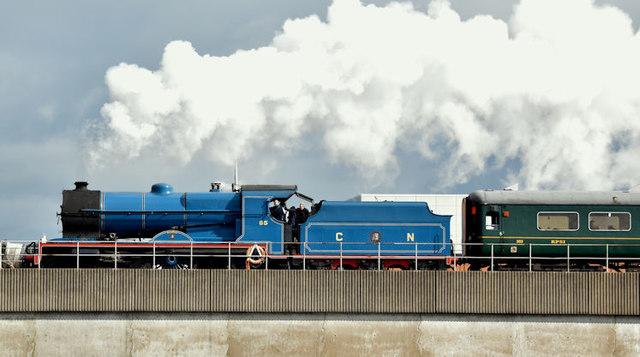 Steam train, Dargan Bridge, Belfast (March 2016)