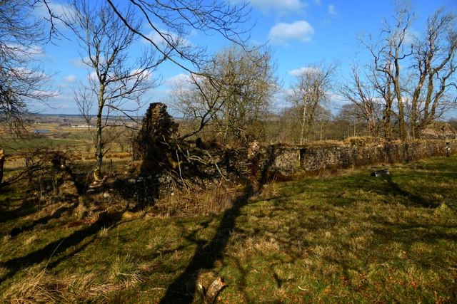 Row of cottage ruins at Syde