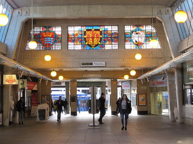 Uxbridge tube station - concourse