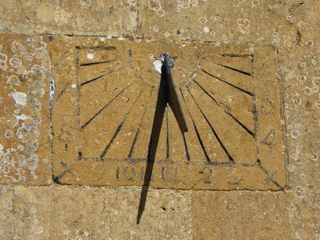 Sundial or mass dial, Aston Subedge