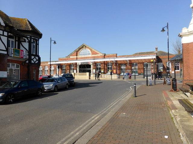 Worthing Station