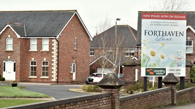 Forthaven Lane, Ballyrobert, Ballyclare    © Albert Bridge