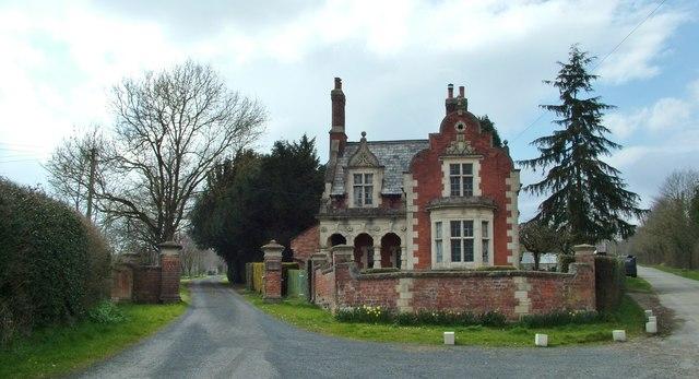 Ferney Hall, Onibury driveway lodge,