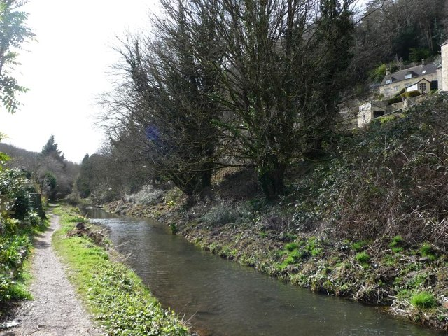 The Thames & Severn Canal, looking westwards