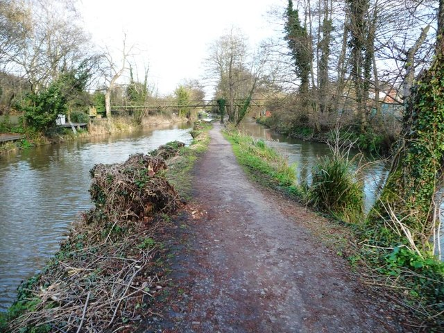 The Thames and Severn Way heading east from Ryeford