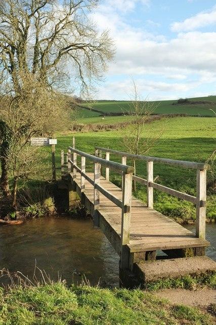Footbridge over Wellow Brook