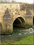 SP9599 : Boundary arch, Wakerley Bridge (2) by Alan Murray-Rust