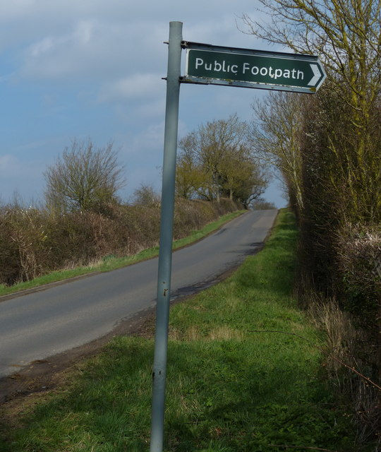 Footpath marker along the lane to Nassington