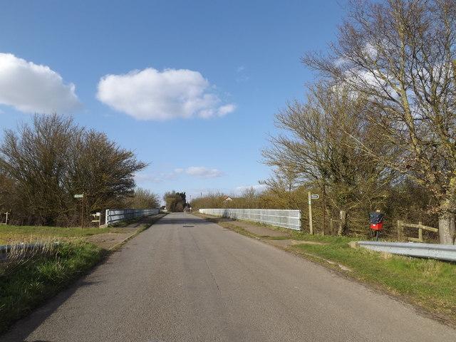 Pound Road & footpaths