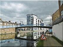 TQ2482 : Kensal Town, Bridge No 4b by Mike Faherty