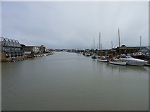TQ0202 : River Arun from footbridge, Littlehampton by Jeff Gogarty