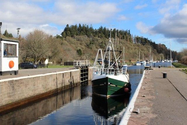 "Fishing Boat ""Sharona"" at DochgarrochLock by Graeme Yuill"