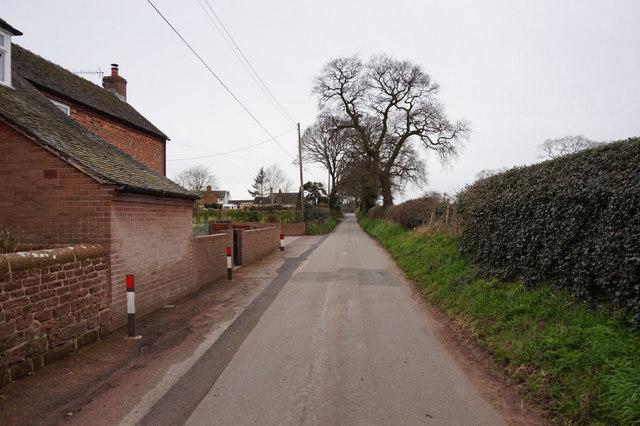 Chapel Lane towards Warren Road