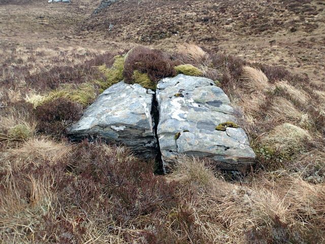 Split boulder below Beinn Donuill