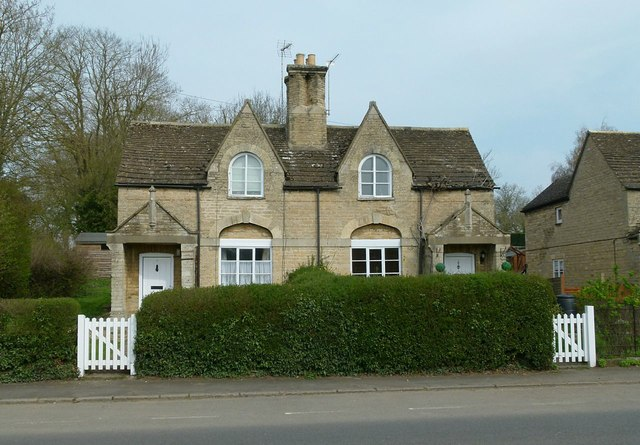 Estate cottages, 7/6 Main Street, Tinwell