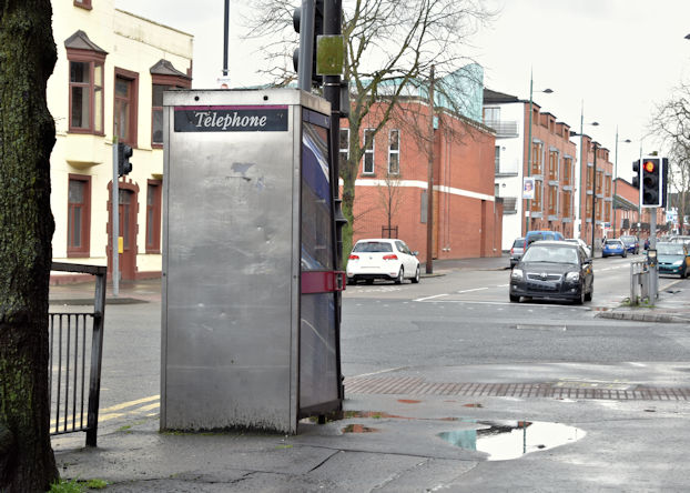 Telephone box, Templemore Avenue, Belfast (April 2016)