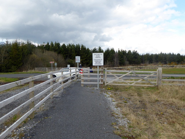 Cycle path crossing of the R357