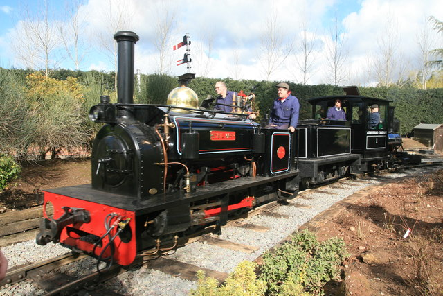 Statfold Barn Railway - light engine movement