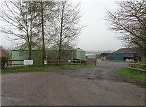 SO9271 : Bungy Lake Farm, near Bromsgrove, Worcestershire by Jeff Gogarty