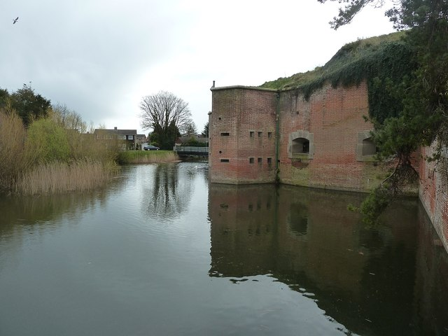 Fort Brockhurst - Moat around the keep