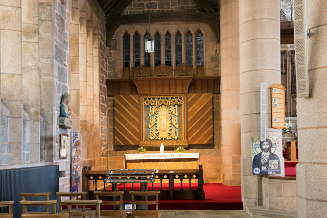Cathedral Church of St Columba, interior - April 2016 (1)