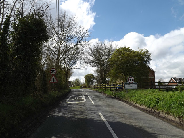 Entering Hemingstone on Main Road