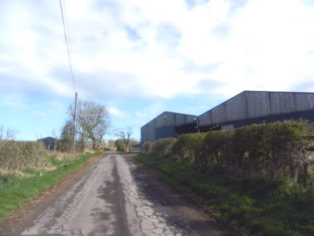 The road heading to Lemington Farm