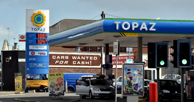 Topaz petrol station, Belfast (April 2016)