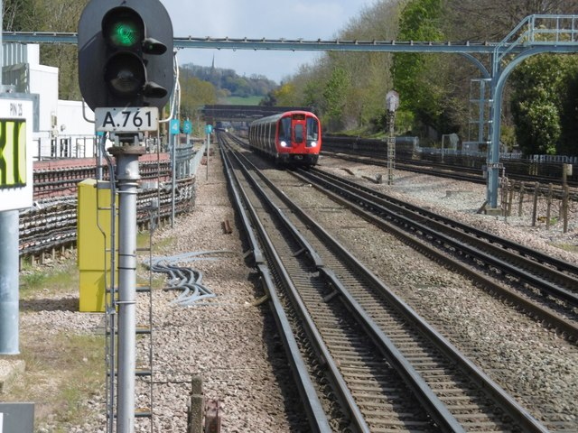 View from the end of the platform at Pinner Underground station