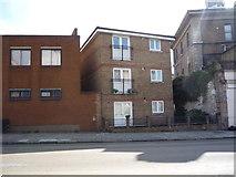 TQ3084 : Small block of flats on York Way by JThomas