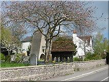TQ1289 : St John the Baptist, Pinner by Marathon