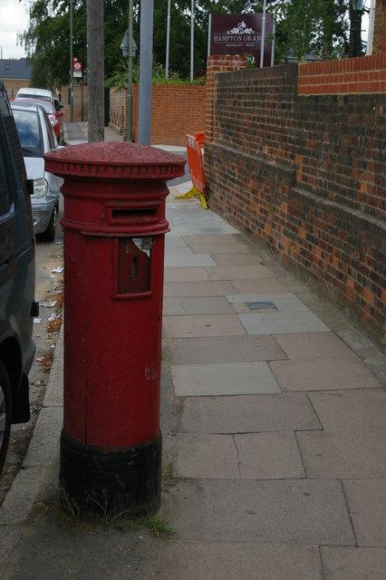 Anonymous post-box, Plaistow Lane, Bromley