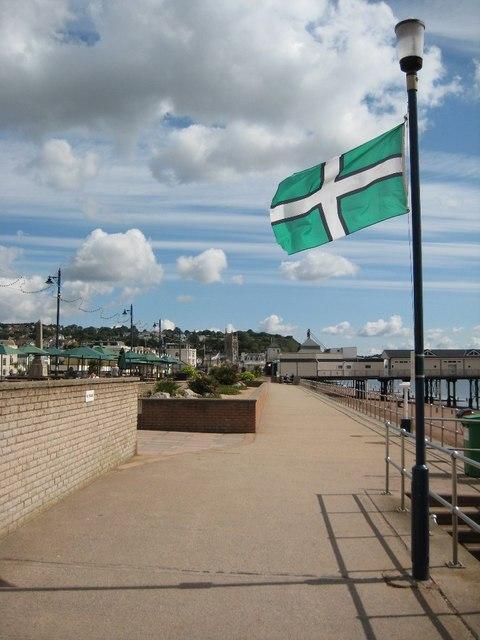 The Devon flag on the Teignmouth seafront